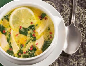 Zitronen-Hühnersuppe mit Linsen und Kurkuma