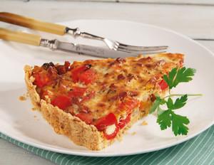 Paprika-Quiche mit Peperoni-Salami
