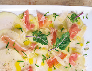 Kohlrabi-Carpaccio mit Parmaschinken