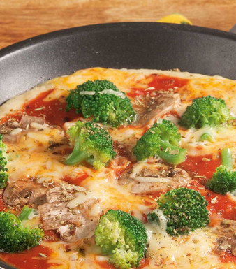 Pizza Pfannkuchen mit Brokkoli und Champignons
