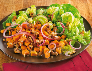 Süßkartoffelsalat mit Chili-Walnüssen