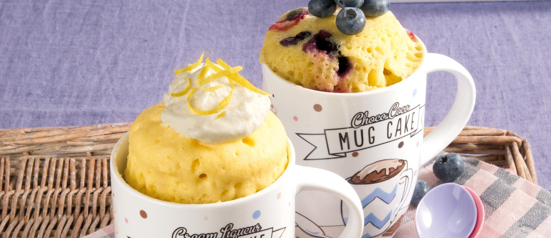 Tassenkuchen mit Zitrone und Heidelbeere
