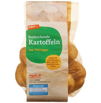 Ein Netz festkochender Kartoffeln