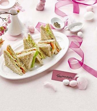 Ostern Tramezzini Estragon Mayonnaise Lachs Raeucherlachs Salat Gurke