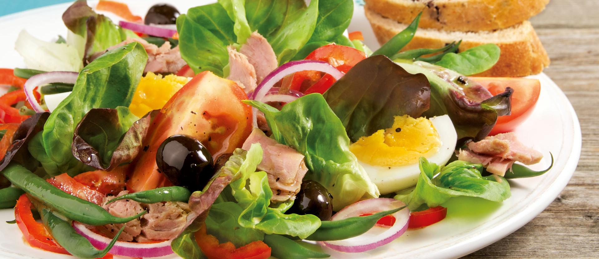 Nizza Salat mit Thunfisch und Ei