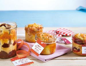 Kuchen im Glas: Marzipankuchen mit Rum-Zwetschgen und Mohn