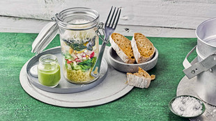 Ei Salat to go Brot Marinade