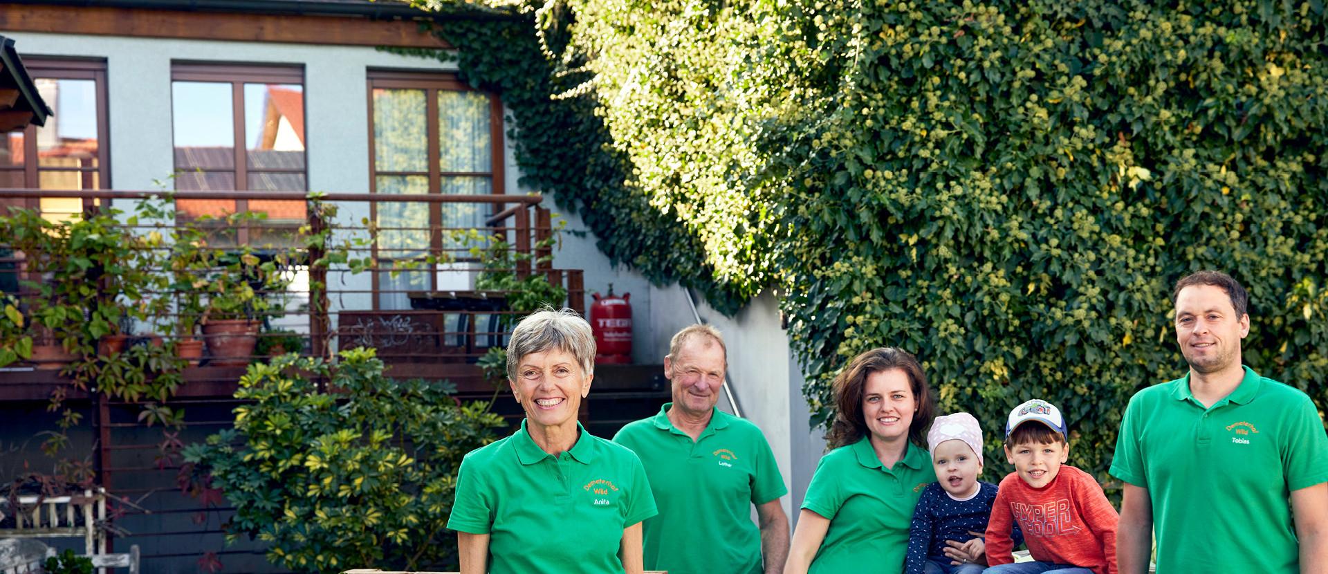 Lieferant Familie Wild mit Kohlgemüse