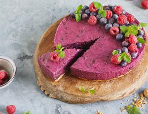 Wild-Heidelbeeren-Torte mit Amarettiniboden