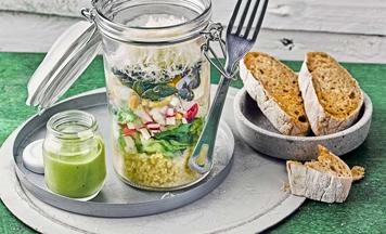 Salat to go Eier Avocado Dressing