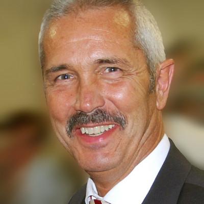 Portraitfoto Herr Grundhöfer