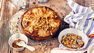 Birnen Walnuss Kuchen mit Kardamom