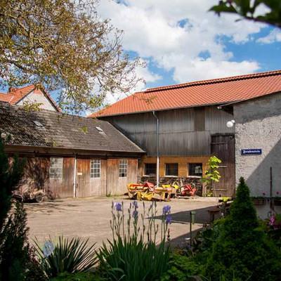 Bauernhof Freudenstein Hofeinfahrt