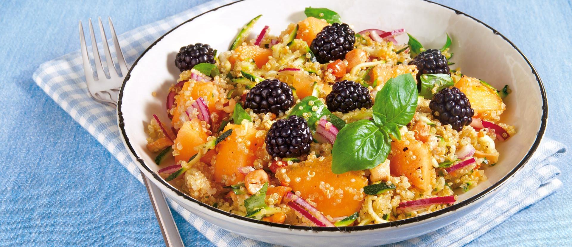 MelonenQuinoa Salat mit Brombeeren
