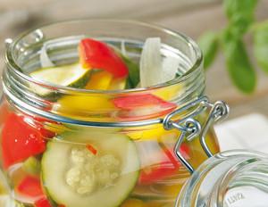 Zucchini-Paprikasalat