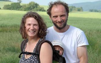 Geschäftsführer der Firma Rösebach mit Ihrem Baby