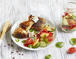BBQ-Hähnchenschenkel mit Melonensalat