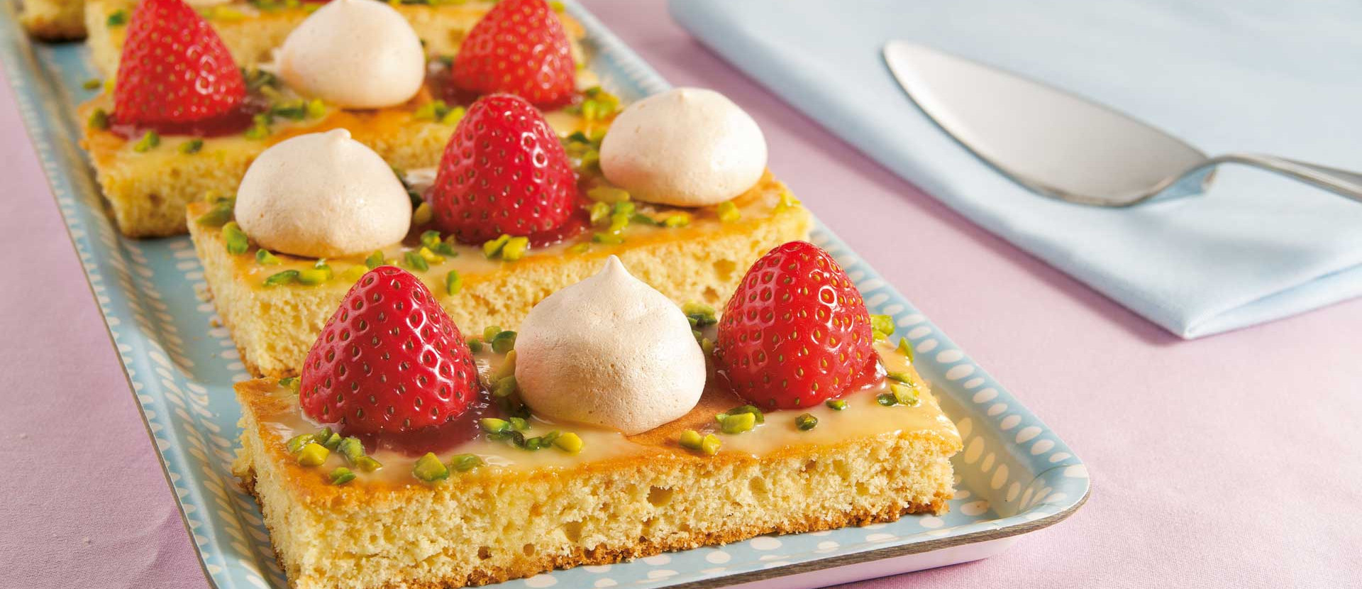 Eierlikoer Erdbeer Schnitte