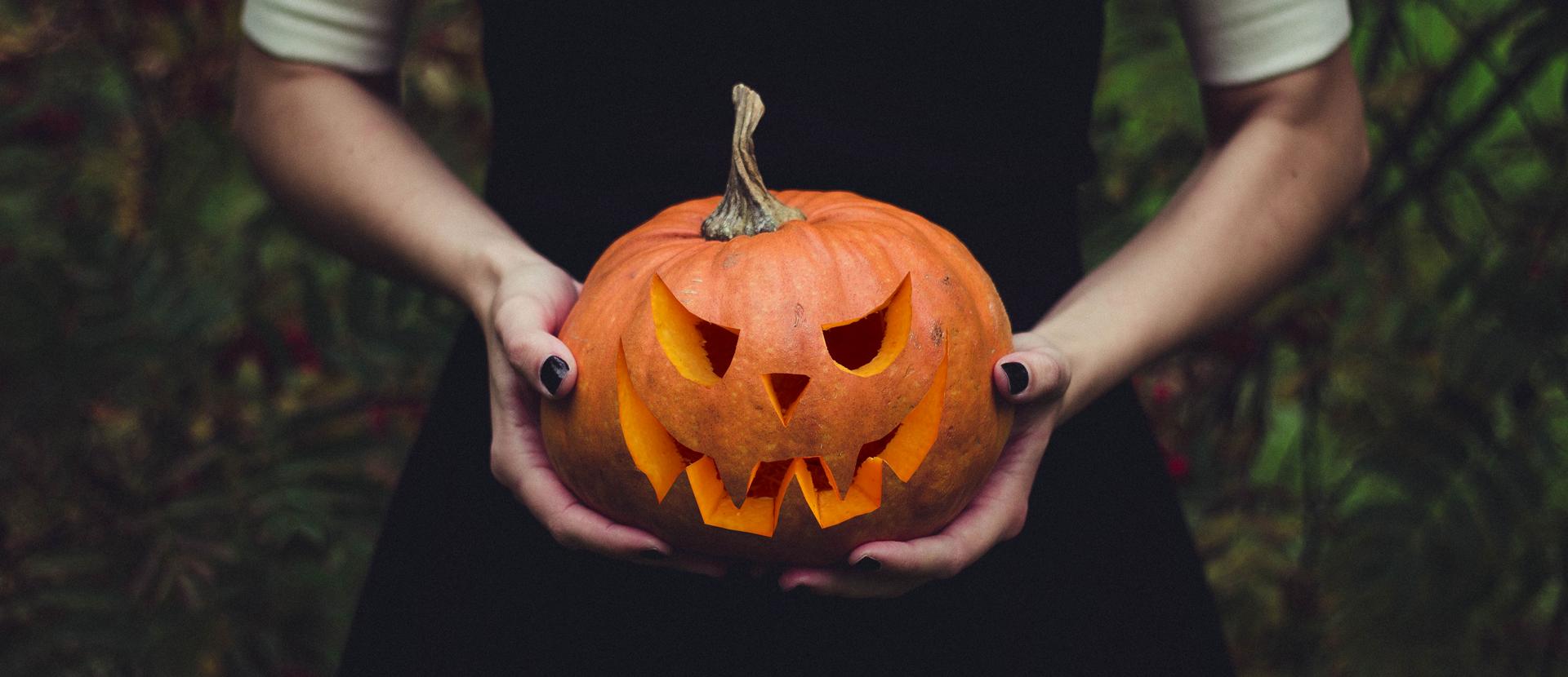 Halloween Kuerbis Haende