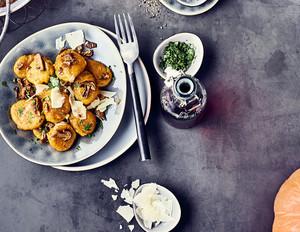 Kürbis-Gnocchi mit Steinpilz-Butter