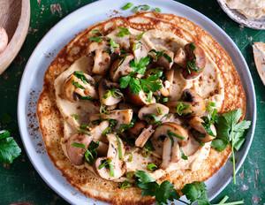 Pfannkuchen mit Hummus & Pilzen