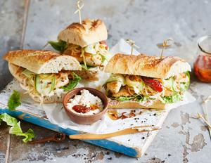 Super-Bowl-Sandwich mit Hähnchen
