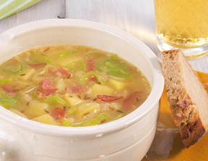Käse-Lauch-Suppe mit Harzer Käse