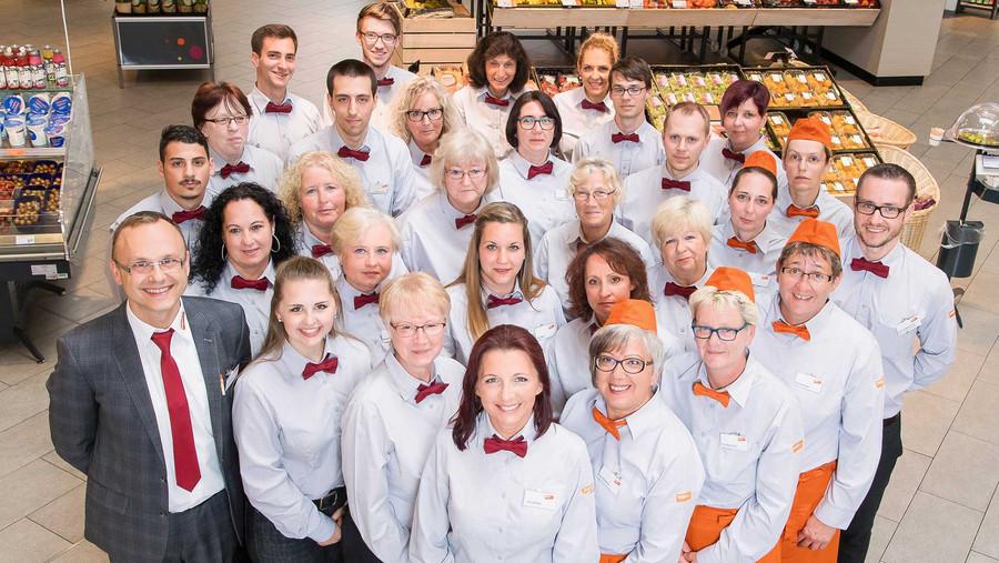 Filial-Geschäftsfürher Stefan Pandur und sein Mitarbeiter Team Altenhasslau