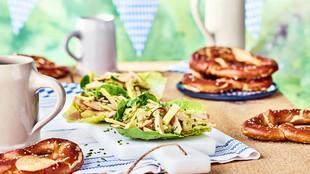 Wurst Kaese Salat Schiffchen
