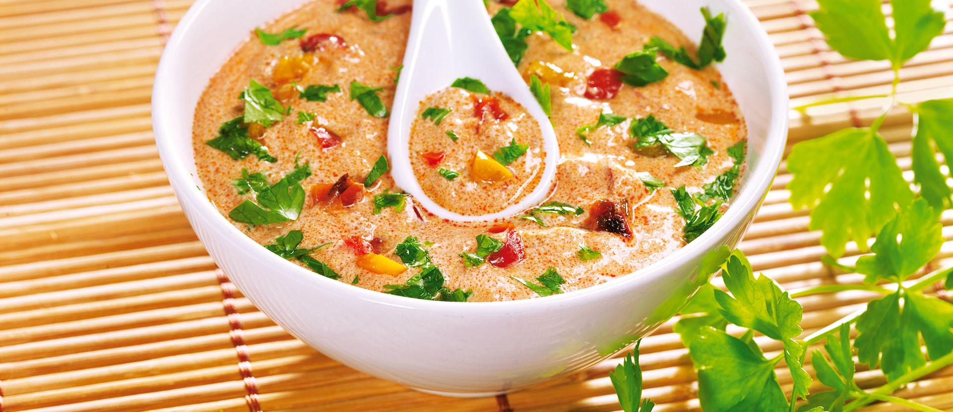 Orientalische Joghurt Paprika Sauce