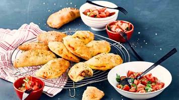 Empanadas mit Mett Paprika Fuellung