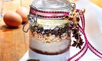 Backmischung schoko Macadamia Cookies im Glas