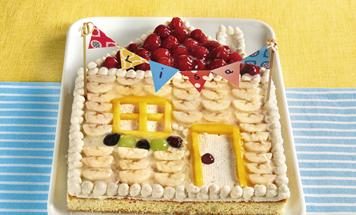 Geburtstagskuchen Häuschen mit Früchten