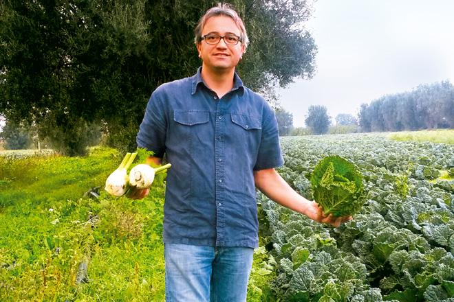 Landwirt Dr. Amico mit Fenchel und Wirsing
