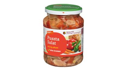 ein Glas tegut Puszta Salat