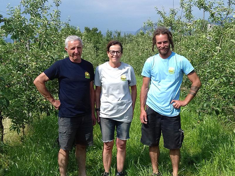 Mitarbeiter im Apfelgarten