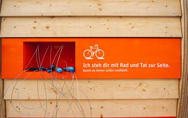 Schraubenschlüssel für Radstation an tegut teo in Fulda, Lindenstraße 32