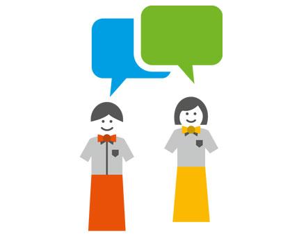 zwei Mitarbeiter mit Sprechblasen