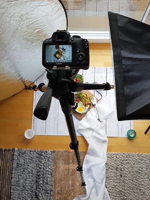Kamera auf Stativ beim Fotoshooting von oben