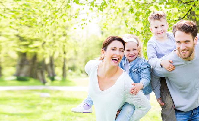 Familie Freude Fruehling Park Natur