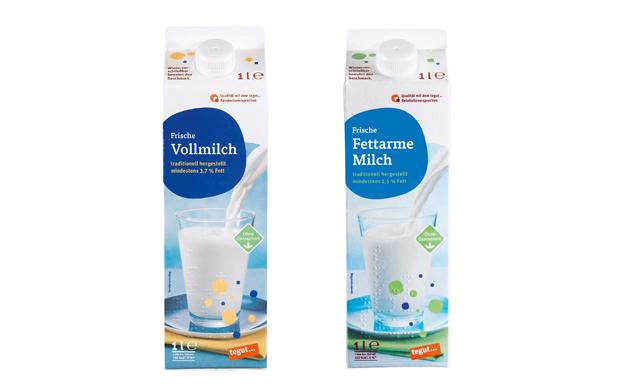 1 Vollmich und 1 fettarme Milchpackung