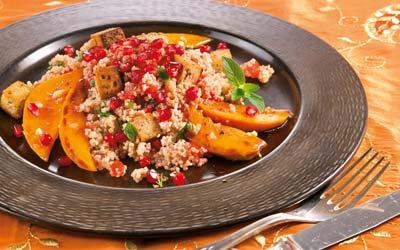 Granatapfel Couscous mit Bataten und Nusstofu