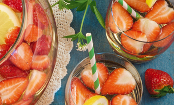 Waldmeister Bowle Erdbeeren Zitrone