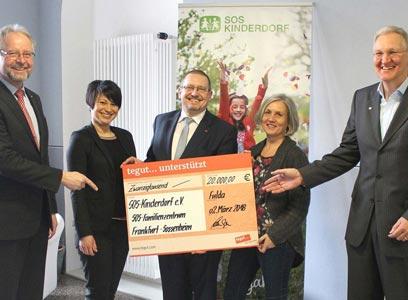Spendenübergabe SOS Kinderdorf e V