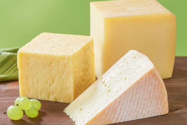 drei verschiedene Käse