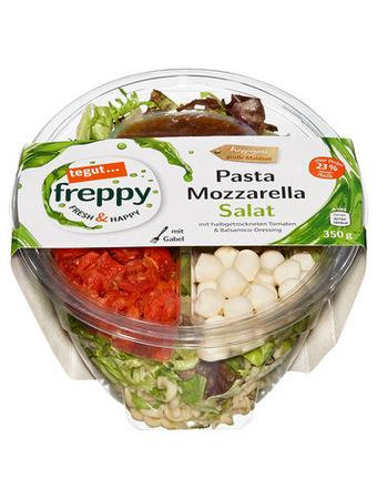 Darstellung von Pasta Mozzarella Salat
