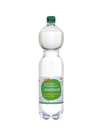 Darstellung von natürliches Mineralwasser medium