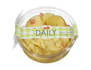 Darstellung von Sentas Kartoffelsalat mit Speck