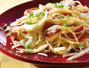 Spaghetti mit Fenchel und Salami