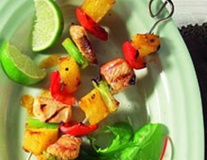 Bunte Grillspieße mit Ananas und süß-scharfer Marinade